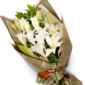 백합 꽃다발